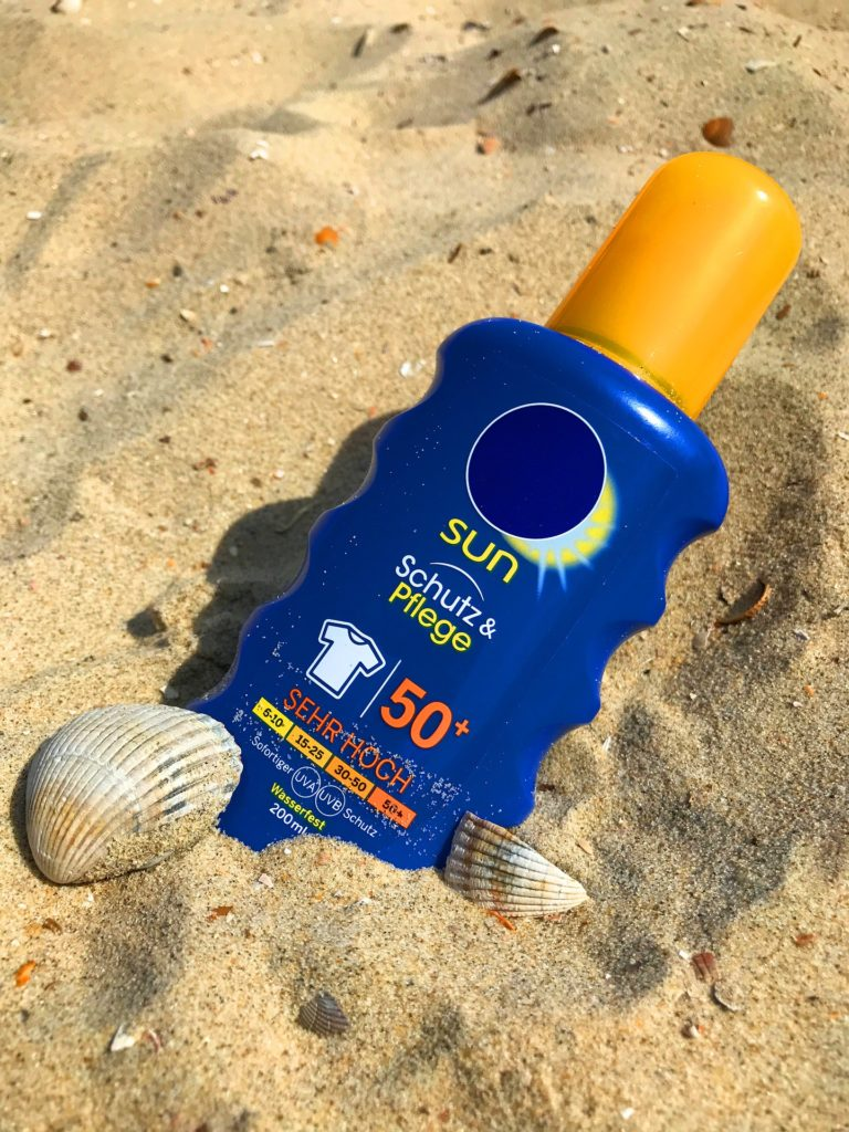 sunscreen-2372366_1920
